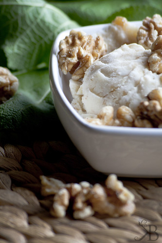 Walnut Marple-Syrup Ice Cream