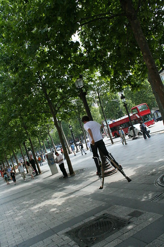 Me on the champs élysés jumping on the stilts