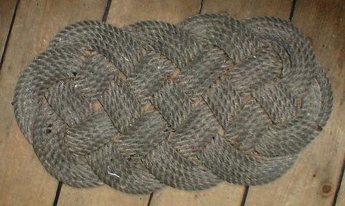 eliz-rug-crop