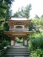 06)鎌倉市山ノ内「浄智寺」再建された鐘楼門。無料の区域でこの写真を撮ることが出来るから、私はセコいが寺はセコいことはしていない。