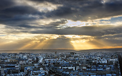 The Last Breath of a fading Sun Over Paris III HDR (David Giral | davidgiralphoto.com) Tags: light sunset urban sun david paris france skyline clouds last landscape golden soleil nikon europe cityscape cloudy dusk breath over rays d200 fading paysage arcdetriomphe hdr couchant dernier giral 3xp soupir nikond200 18200mmf3556gvr tthdr copyrightdgiral davidgiral holidaysvacanzeurlaub diamondclassphotographer