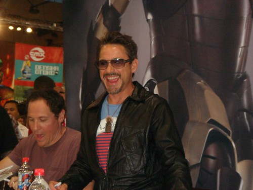 Thumb Cowboys & Aliens con Jon Favreau y Robert Downey Jr.