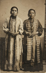f_winnebagowomen (ricksoloway) Tags: oldphotographs oldphotos nativeamericans americanindians photohistory vintagephotos foundphotos photographica rppc photopostcards phototrouvee realphotopostcards