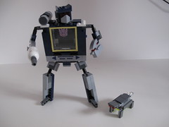 Soundwave (Benny Brickster) Tags: lego transformers g1 tapeplayer soundwave benslegocreations benlego309