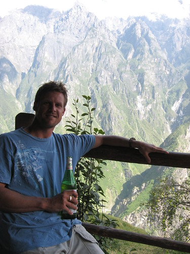 Hiking the Tiger Leaping Gorge in China