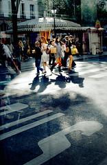 Paris, Rue de rivoli (Calinore) Tags: street city woman paris france bus fashion silhouette shopping big women femme young selection ombre buy saintpaul rue mode iledefrance ville rivoli parisian manege consommation jeunes jambe beaute achats top150 merrygoroung minijupes marquageausol parsienne