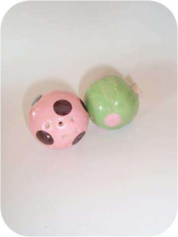 brown green and pink Soap flakes Ceramic Fragrance ball