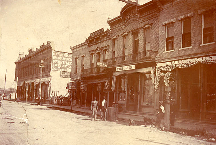 Historical photo of Montana Street