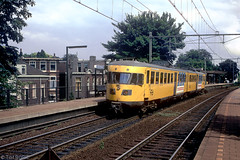 Arnhem Velperpoort (Tim Boric) Tags: station train allan ns arnhem zug bahn railways trein spoorwegen velperpoort planx blauweengel treinstel deii arnhemvelperpoort