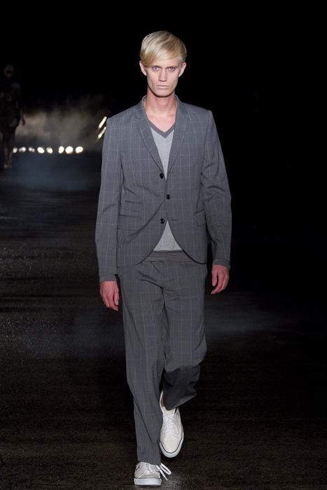 Nicolai Haugaard3067_SS11_Tokyo_Davit MEURSAULT(Fashionsnap)