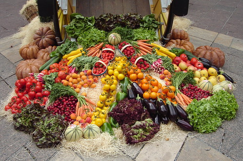 organic fruit and vegetables by val'sphotos.