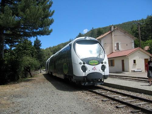U Trinighellu (Train des Chemins de Fer Corses) à Vizzavona dans sa version 2007
