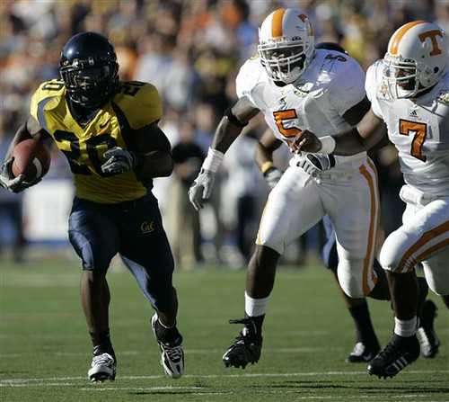 Justin Forsett chased by Tennessee linebacker Rico McCoy