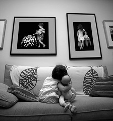 Galera (jaime m) Tags: lafotodelasemana gallery sofa violeta galera nofaces lfsganadormes aplusphoto ltytr1 faceoffwinner lfs062007 photofaceoffwinner jaimemonfort
