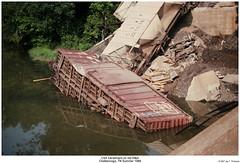 Chattanooga Derailment 1988 1 of 2 (Robert W. Thomson) Tags: railroad chattanooga train crash tennessee railway trains traincar wreck csx derailment