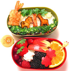 Safari bento 9-26-07 (pkoceres) Tags: apple mushroom animal japan cheese lunch strawberry blackberry cucumber lion cream shrimp whippedcream pear raspberry mayo bento giraffe spicy tempura tangelo fried grape bartlett  eggroll bokchoy   petitfour minneola crimini   icookedthis   ebifry    whitecheddar femmiovalentino  charaben