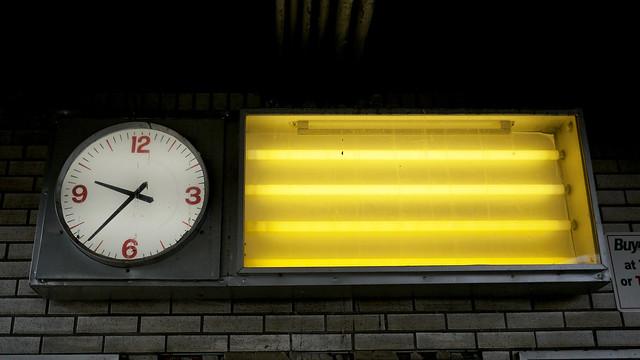 outside of Manhattan #walkingtoworktoday, clock at LIRR Hicksville NY stop