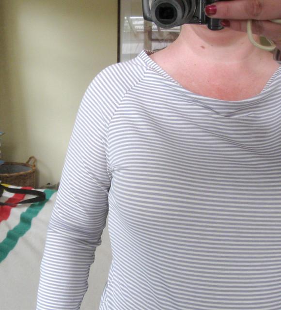 Boat-necked raglan tee
