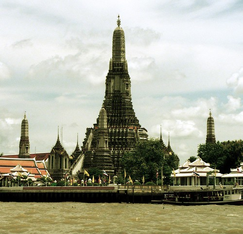 Chao Praya visit #02 - Wat Alum