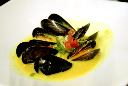 mussels in coconut lemongrass sauce