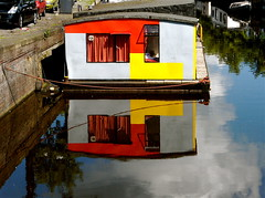 HOUSEBOAT REFLECTION (Akbar Simonse) Tags: holland reflection netherlands canal thenetherlands vivid houseboat groningen woonark schuitendiep theperfectphotographer 200000000stagelovers akbarsimonse