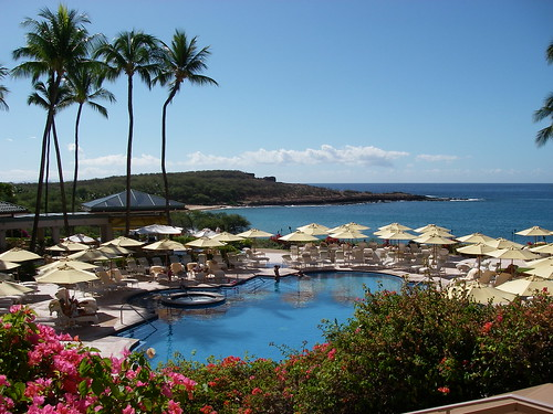 Four Seasons Pool Lanai