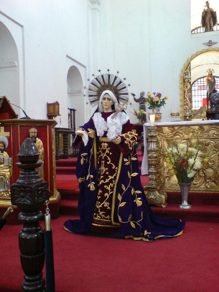 Imagen de la Santísima Virgen de Dolores del templo de San Francisco El Grande, Antigua Guatemala