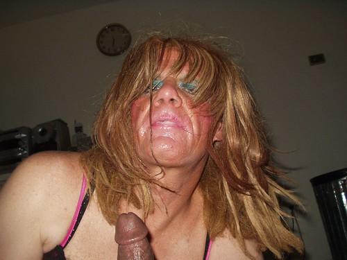 girls cock sucking dicks pics: blowjobs