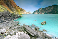 Acidic Crater Lake (tropicaLiving - Jessy Eykendorp) Tags: morning light lake nature canon indonesia landscape photography eos volcano nationalpark outdoor smoke acid mount crater lee sulphur filters rim 1022mm surabaya bromo semeru tengger canonefs1022mmf3545usm eastjava 50d ijen banyuwangi canon50d bondowoso