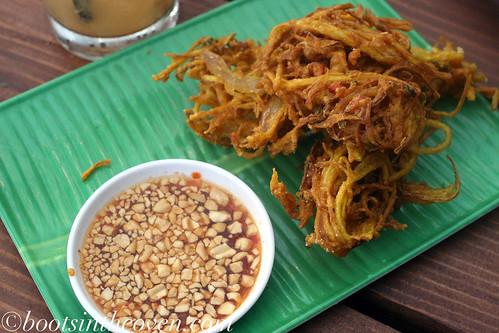 Khang Pong - green papaya fritters, Mae Hong Son style