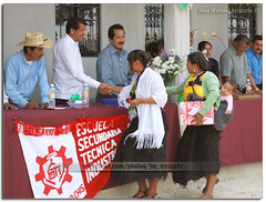 Belis6051 (-Karonte-) Tags: child sancristobaldelascasas indigenous chenalho indigenouschild niñosindigenas chenalhochiapas josemanuelarrazate