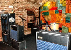 Inside the Re-Built Cavern (Flamenco Sun) Tags: liverpool beatles lennon ringo mersey albertdock thebeatles magicalmysterytour macca beatlemania rivermersey thecavern strawberyfields johnpaulgeorgeringo