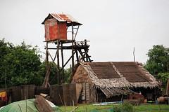 100_4786 (Bryan Hsieh) Tags: travel people lake building cambodia siemreap angkor  2007 tonlesap     eos5d