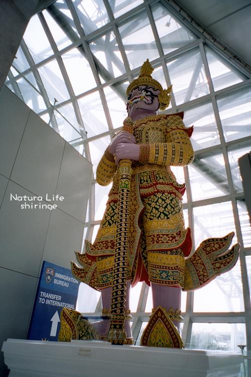 機場的泰國神像