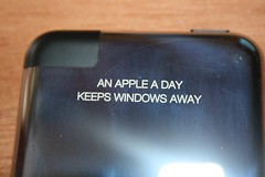 Gravur    /     engraving (austrianpsycho) Tags: new apple ipod engraving neu gravur rückseite 16gb ipodtouch