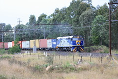44208 on T285 Yennora service at Enfield (Sten Parker) Tags: sydney australia trains nsw enfield alco intermodal cfcla 442class potransaustralia metrogoodslines