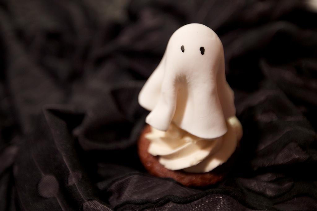 ghostie cupcake