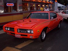 """The Judge"" 1969 Pontiac GTO... (Steve Brandon) Tags: auto usa 1969 car birmingham automobile gm michigan unitedstatesofamerica detroit voiture suburb 69 royaloak musclecar sportscar pontiacgto generalmotors thejudge woodwardavenue americancar   woodwarddreamcruise  gmfyi woodwardavenuedreamcruise"