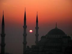 architecture and  nature (H e r m e s) Tags: sun sunrise turkey istanbul bluemosque