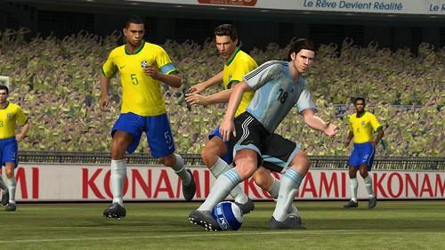 Jugando Pro evolution Soccer 2008