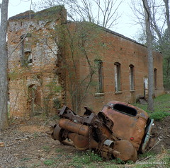 Old Mack Truck is going back to where it come from (Robert Lz) Tags: oconeecounty farmingtongeorgia oldbrickbuilding ashestoashesdusttodust oldmacktruck goingbacktowhereitcomefrom