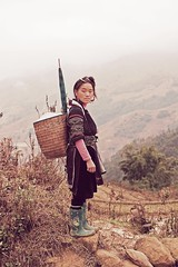 Black Hmong (mibber) Tags: portrait girl fog umbrella asia basket rice boots hills vietnam guide tribe sapa northvietnam blackhmongtribe