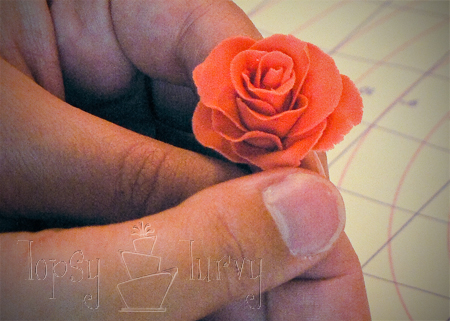 fondant rose tutorial petal layer 3 shaping