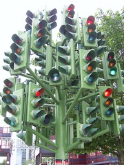 Traffic Light Tree, near Canary Wharf, London (Richard and Gill) Tags: sculpture trafficlights london cool roundabout docklands canarywharf heronquays towerhamlets trafficlighttree pierrevivant