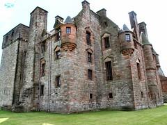Newark - 17th century range (arjayempee) Tags: castle scotland clyde glasgow maxwell newark