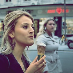 Icecream (Frank van de Loo) Tags: portrait woman holland glass donna mujer belgium belgique retrato femme thenetherlands belgië blond icecream gelato wife streetphoto antwerp frau portret eis ritratto helado vrouw antwerpen fru meir anvers glace sorvete | streetshot ijs esposa bélgica haveaniceday moglie flandria femal vlaanderen ijsco ijsje porträtt streetpicture bildnis streetpic provincieantwerpen xxxxxxxxxxxxxxxxxxxxxxxxxxxxxxxxxx xxxxxxxxxxxxxxxxxxxxxxxxxxxxxxxxxxx ifyoulikepleaseleaveanote frankvandeloo evennotifideservethem pleasenobannersorawards thanksforvisitingmysite hustru