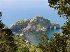 San Juan de Gaztelugatxe - Basque Country, Spain ... Goodbye Horst (Batikart) Tags: ocean travel blue sea vacation sky cloud sun mountain holiday seascape green art beach window nature grass leaves weather rock canon landscape geotagged island coast leaf seaside spring spain sand meer europa europe arch urlaub natur meadow wiese himmel wolke peak atlantic bilbao insel april grn blau hermitage horst landschaft sonne bizkaia euskadi vizcaya basquecountry paisvasco spanien vacanze 2010 frhling baskenland kste felsen frhjahr bayofbiscay canonpowershota610 15000views 100faves 200faves biskaya hb19 viewonblack 300faves batikart golfvonbiskaya
