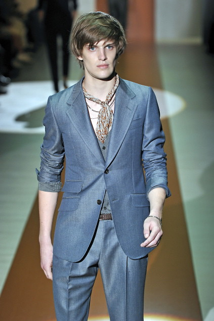 Axel Gillot3015_SS11_Milan_Gucci(first VIEW)
