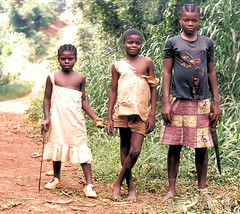 Children of Lomi in the heart of Africa (Bn) Tags: africa children topf100 cameroun blueribbonwinner supershot 100faves 10faves top20people kameroen abigfave anawesomeshot lomi childrenbestphotos
