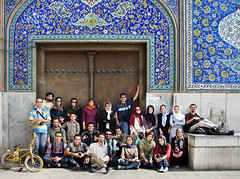 WE / Sheikh Lotfollah Mosque Entrance (Hamed Saber) Tags: persian iran persia saber gathering iranian  groupshot esfahan hamed isfahan flickrmeetup farsi   naghshejahansquare sheikhlotfollah          upcoming:event=235013